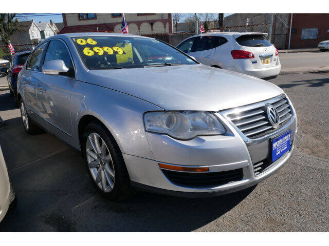 2006 Volkswagen Passat for sale at MICHAEL ANTHONY AUTO SALES in Plainfield NJ