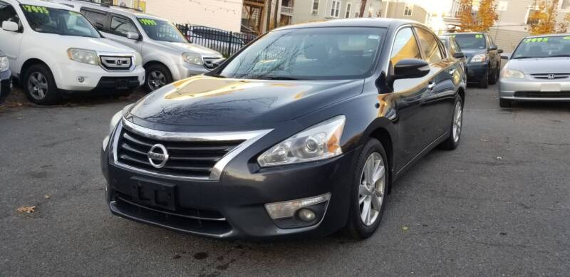2014 Nissan Altima for sale at Motor City in Roxbury MA