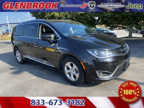 2017 Chrysler Pacifica for sale at Glenbrook Dodge Chrysler Jeep Ram and Fiat in Fort Wayne IN