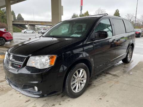 2018 Dodge Grand Caravan for sale at Modern Automotive in Boiling Springs SC