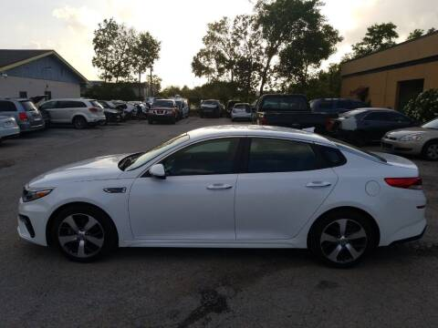 2020 Kia Optima for sale at Discount Auto Mart LLC in Houston TX