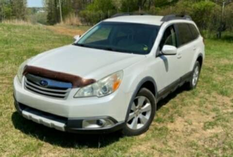 2011 Subaru Outback for sale at BSA Pre-Owned Autos LLC in Hinton WV