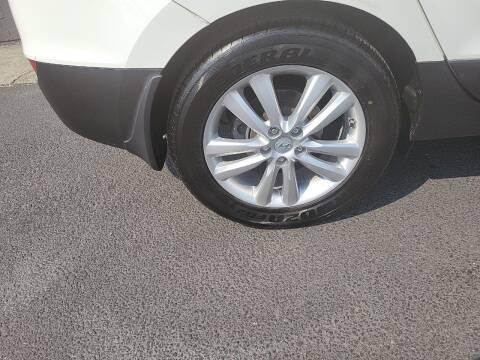 2011 Hyundai Tucson for sale at Bonney Lake Used Cars in Puyallup WA