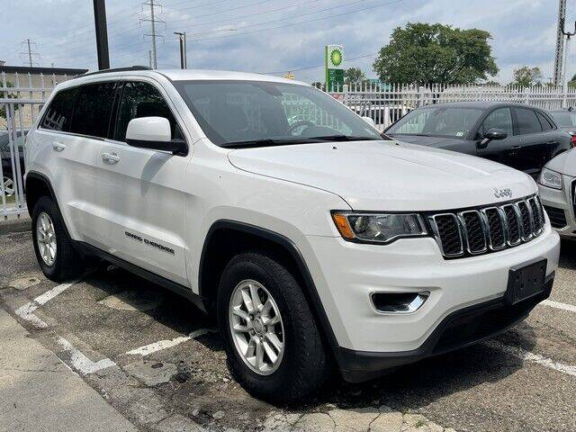 2018 Jeep Grand Cherokee for sale at SOUTHFIELD QUALITY CARS in Detroit MI