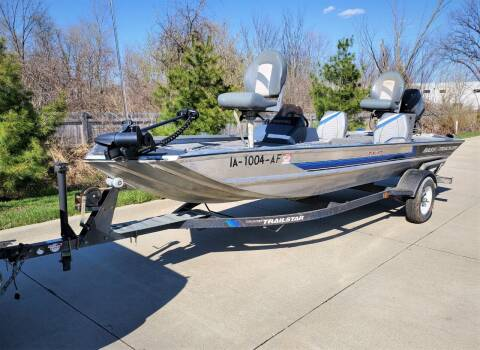 1992 Tracker Bass Tracker Tournament Tx 17 for sale at Ericson Auto in Ankeny IA