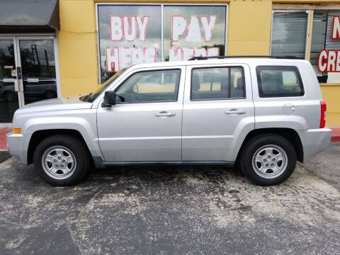2010 Jeep Patriot for sale at BSS AUTO SALES INC in Eustis FL