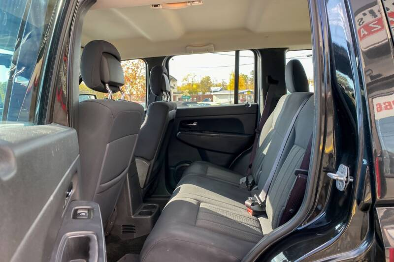 2012 Jeep Liberty 4x4 Sport 4dr SUV - East Greenbush NY