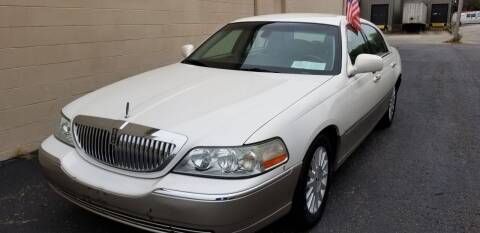 2003 Lincoln Town Car for sale at Derby City Automotive in Louisville KY