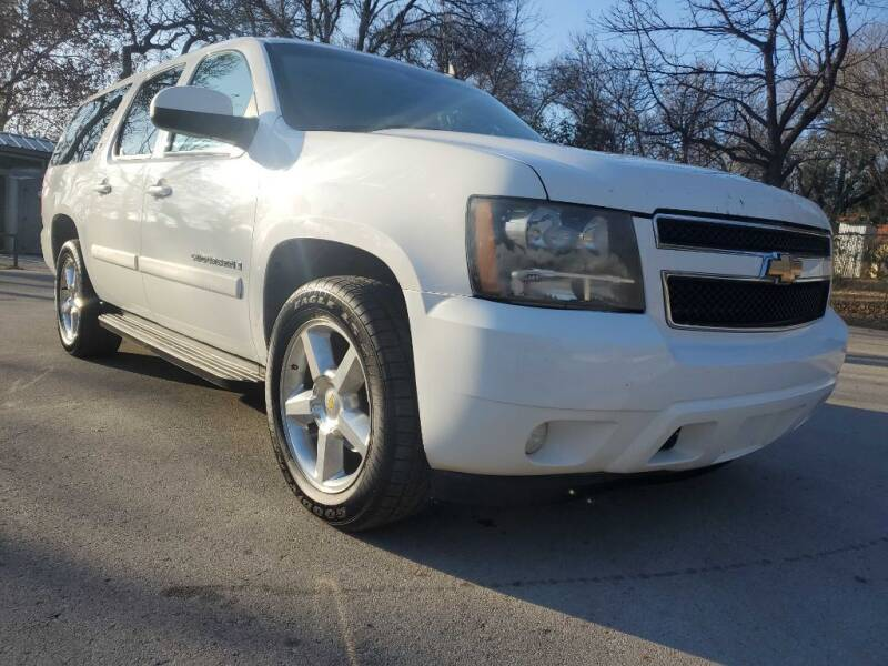 2007 Chevrolet Suburban for sale at Thornhill Motor Company in Lake Worth TX