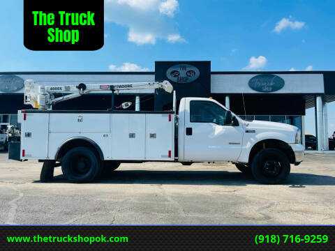 2004 Ford F-550 Super Duty for sale at The Truck Shop in Okemah OK