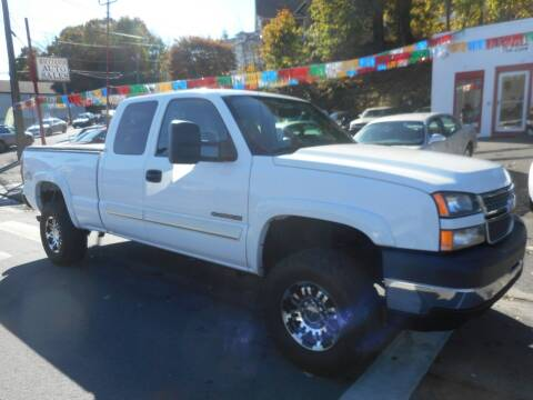 2005 Chevrolet Silverado 2500HD for sale at Ricciardi Auto Sales in Waterbury CT