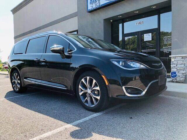 2017 Chrysler Pacifica Limited 4dr Mini-Van - Edwardsville KS