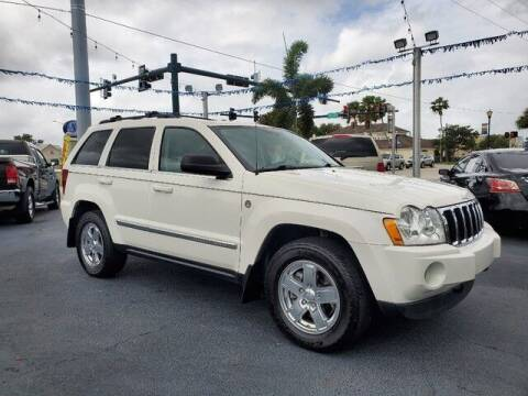 2005 Jeep Grand Cherokee for sale at Select Autos Inc in Fort Pierce FL