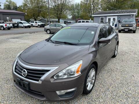 2013 Nissan Altima for sale at Davidson Auto Deals in Syracuse IN