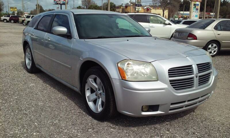2006 Dodge Magnum for sale at Pinellas Auto Brokers in Saint Petersburg FL