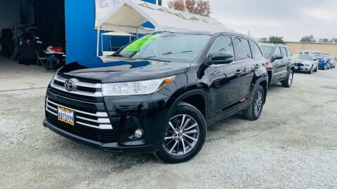 2018 Toyota Highlander for sale at LA PLAYITA AUTO SALES INC - Tulare Lot in Tulare CA