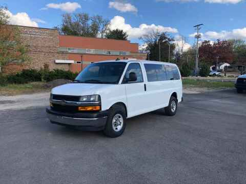 2018 Chevrolet Express Passenger for sale at DILLON LAKE MOTORS LLC in Zanesville OH