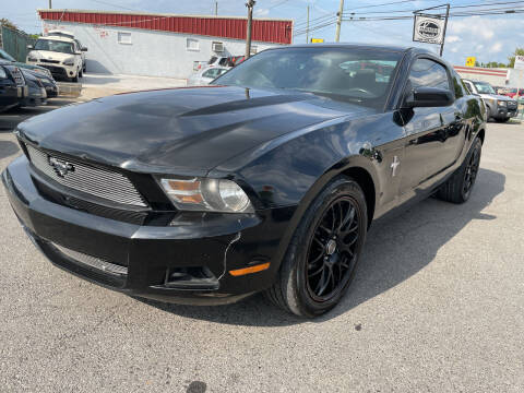 2012 Ford Mustang for sale at Diana Rico LLC in Dalton GA