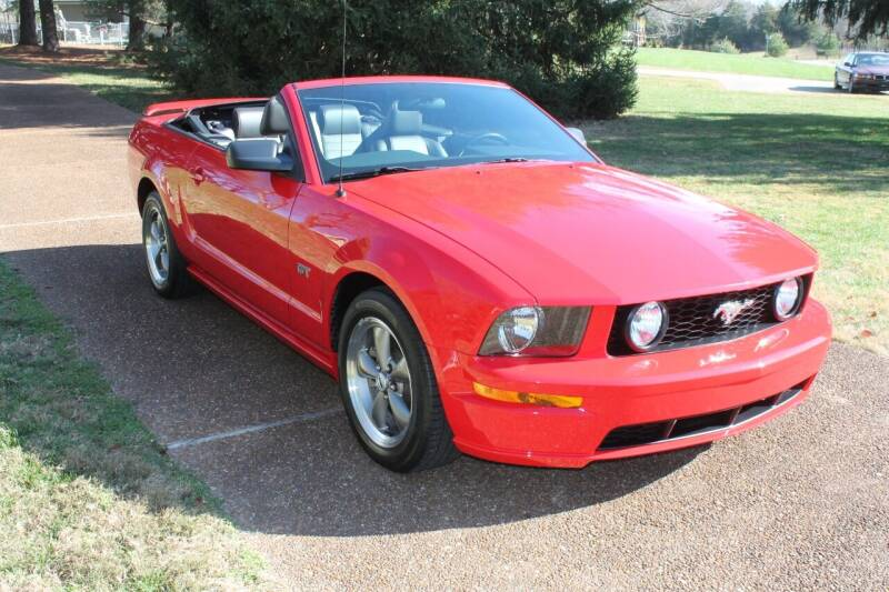 2005 Ford Mustang for sale at KEEN AUTOMOTIVE in Clarksville TN