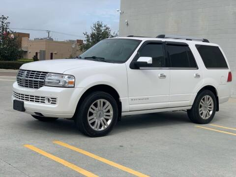 2013 Lincoln Navigator for sale at Santos Autos in Bradenton FL