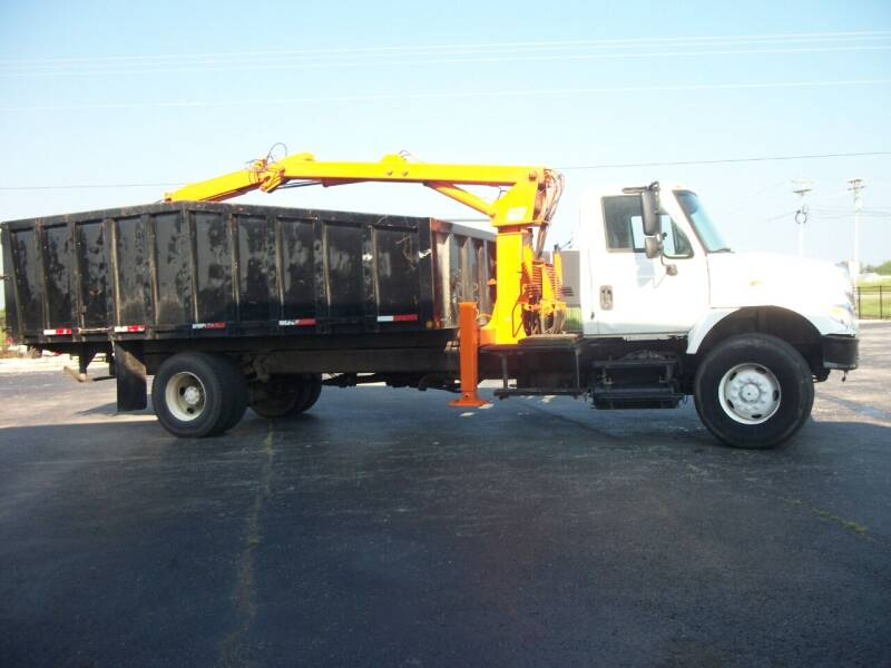 2005 International Debris 7400 4x2 for sale at Classics Truck and Equipment Sales in Cadiz KY
