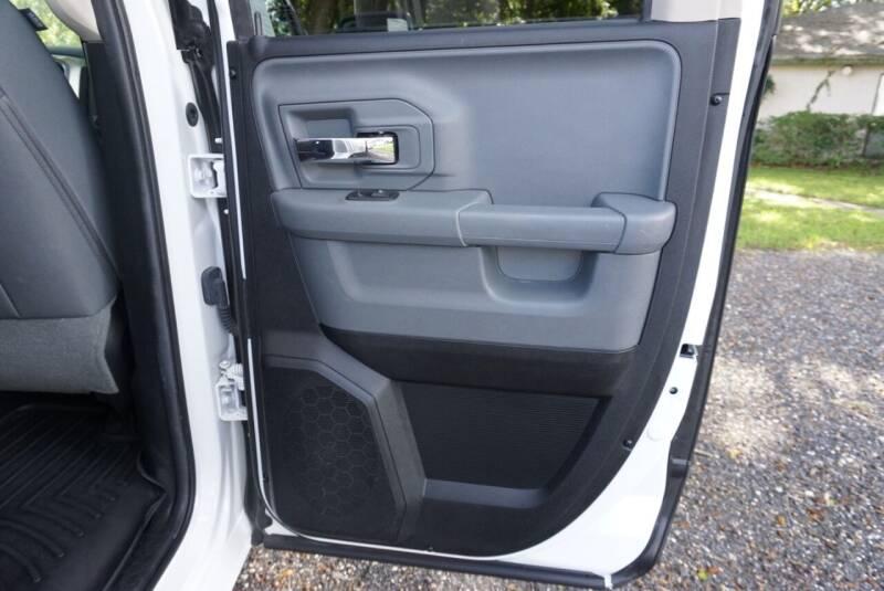 2016 RAM Ram Pickup 1500 4x4 Big Horn 4dr Quad Cab 6.3 ft. SB Pickup - Middleburg FL