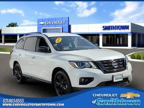 2018 Nissan Pathfinder for sale at CHEVROLET OF SMITHTOWN in Saint James NY