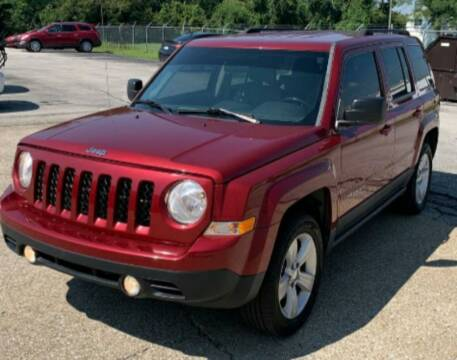 2012 Jeep Patriot for sale at BSA Pre-Owned Autos LLC in Hinton WV