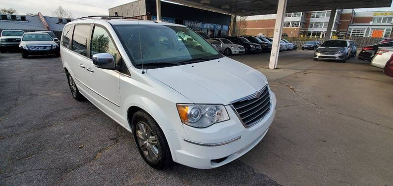 2008 Chrysler Town and Country for sale at Divine Auto Sales LLC in Omaha NE