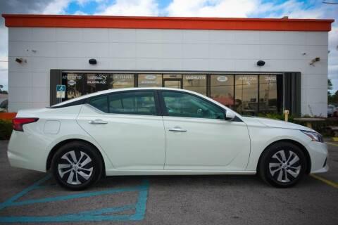 2020 Nissan Altima for sale at Car Depot in Miramar FL