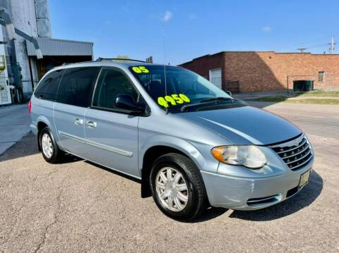 2005 Chrysler Town and Country for sale at Island Auto Express in Grand Island NE