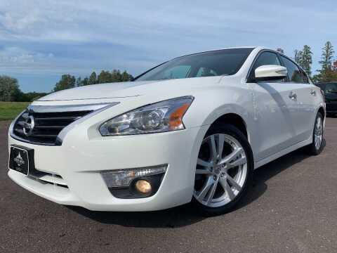 2013 Nissan Altima for sale at LUXURY IMPORTS in Hermantown MN