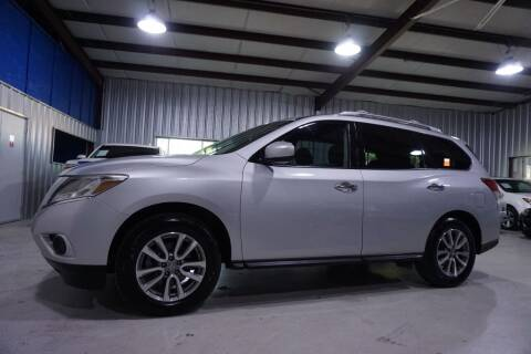 2013 Nissan Pathfinder for sale at SOUTHWEST AUTO CENTER INC in Houston TX