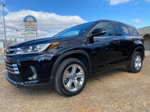 2017 Toyota Highlander for sale at DABBS MIDSOUTH INTERNET in Clarksville TN