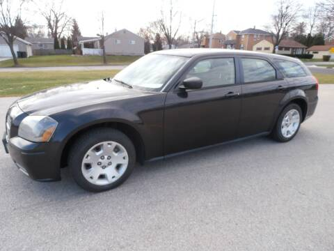 2006 Dodge Magnum for sale at A-Auto Luxury Motorsports in Milwaukee WI