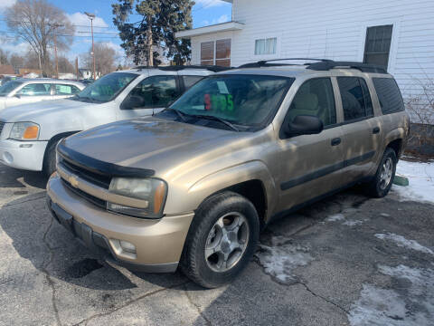2005 Chevrolet TrailBlazer EXT for sale at PAPERLAND MOTORS in Green Bay WI