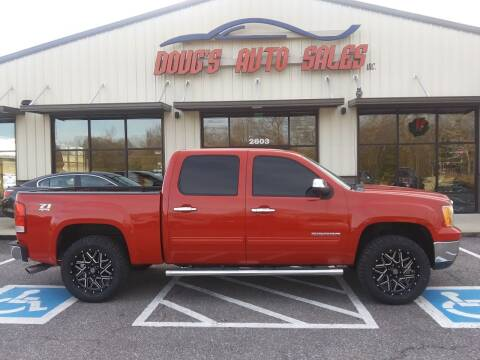 2011 GMC Sierra 1500 for sale at DOUG'S AUTO SALES INC in Pleasant View TN