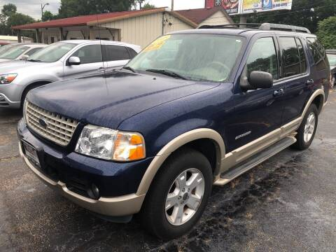 2005 Ford Explorer for sale at Smart Buy Auto in Bradley IL