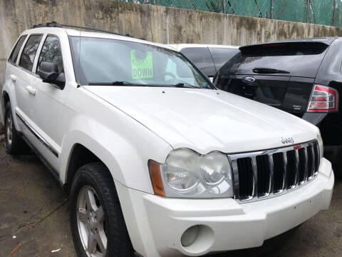 2005 Jeep Grand Cherokee for sale at Deleon Mich Auto Sales in Yonkers NY