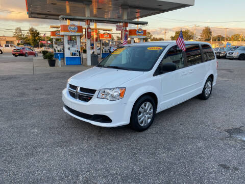 2016 Dodge Grand Caravan for sale at 1020 Route 109 Auto Sales in Lindenhurst NY