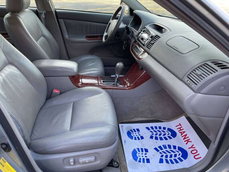 2005 Toyota Camry XLE V6 4dr Sedan - Dorchester MA