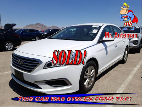 2017 Hyundai Sonata for sale at TOWN & COUNTRY AUTO SALES in Overton NV