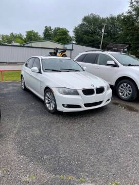2011 BMW 3 Series for sale at LEE AUTO SALES in McAlester OK