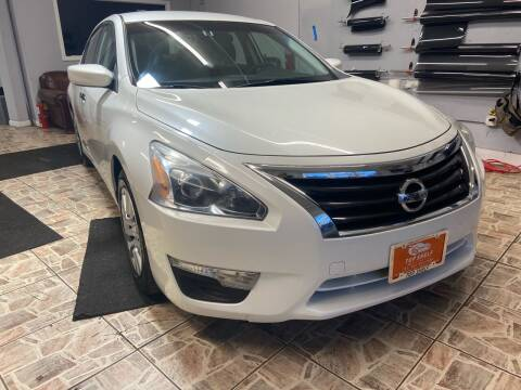 2014 Nissan Altima for sale at TOP SHELF AUTOMOTIVE in Newark NJ