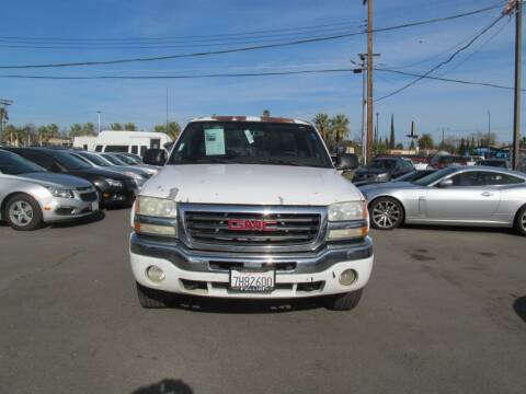 2004 GMC Sierra 1500 for sale at Dealer Finance Auto Center LLC in Sacramento CA