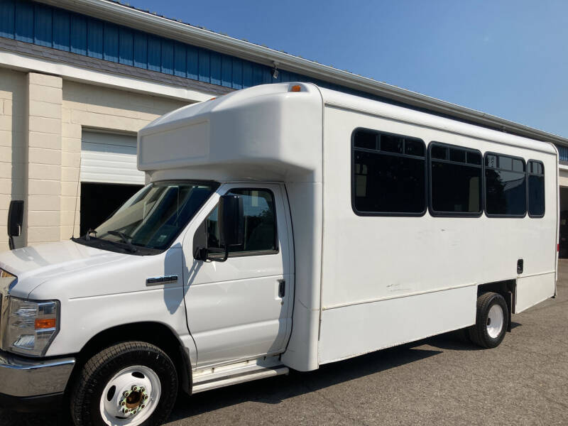 2016 Ford E-Series Chassis for sale at Ogden Auto Sales LLC in Spencerport NY