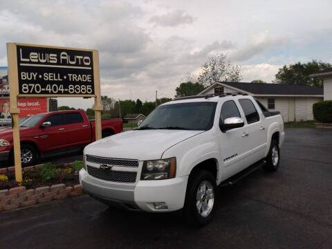 2007 Chevrolet Avalanche for sale at LEWIS AUTO in Mountain Home AR