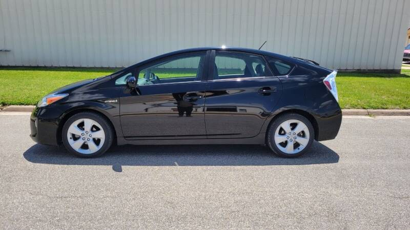 2014 Toyota Prius for sale at TNK Autos in Inman KS