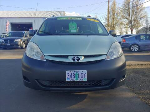 2007 Toyota Sienna for sale at M AND S CAR SALES LLC in Independence OR