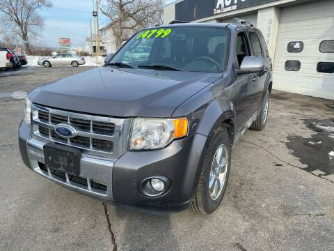 2009 Ford Escape for sale at Rocket Cars Auto Sales LLC in Des Moines IA
